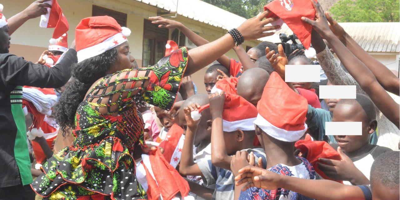 Centrafrique : Don de Carole Zokoua aux enfants de SOS de Gbangouma
