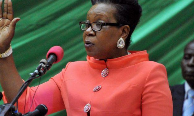 Il y a sept ans, Catherine Samba Panza prête serment comme présidente de transition