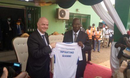 Centrafrique : Gianni Infantino, patron de la FIFA en visite à Bangui