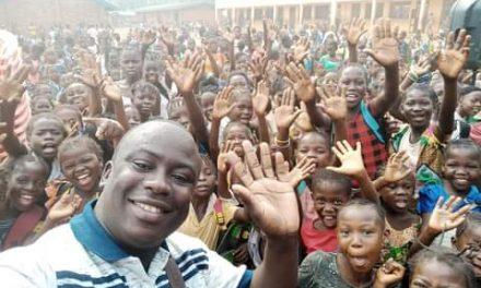Centrafrique : « Offrir une bonne éducation aux enfants c'est garantir un bel avenir à notre pays » dixit Rémy Djamouss