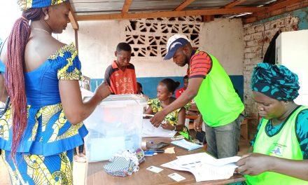 Elections législatives en Centrafrique : Un scrutin apaisé avec faible participation