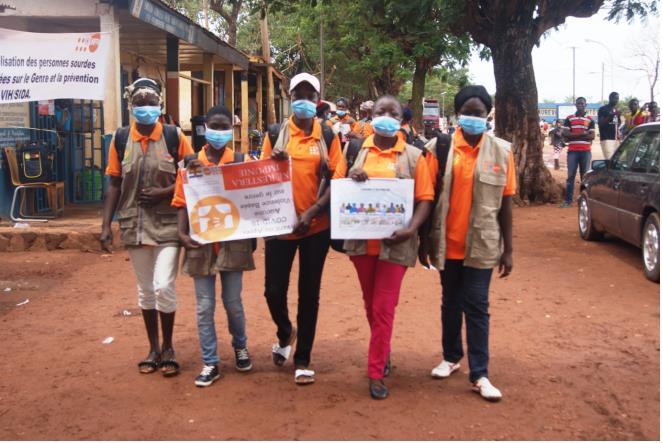 Centrafrique : Les filles sourdes sensibilisent sur les VBG et le VIH/SIDA