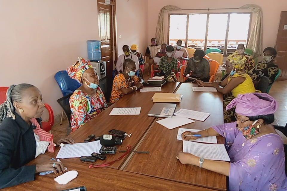 Le collectif des femmes centrafricaines réclament justice contre Fidèle Ngouandjika