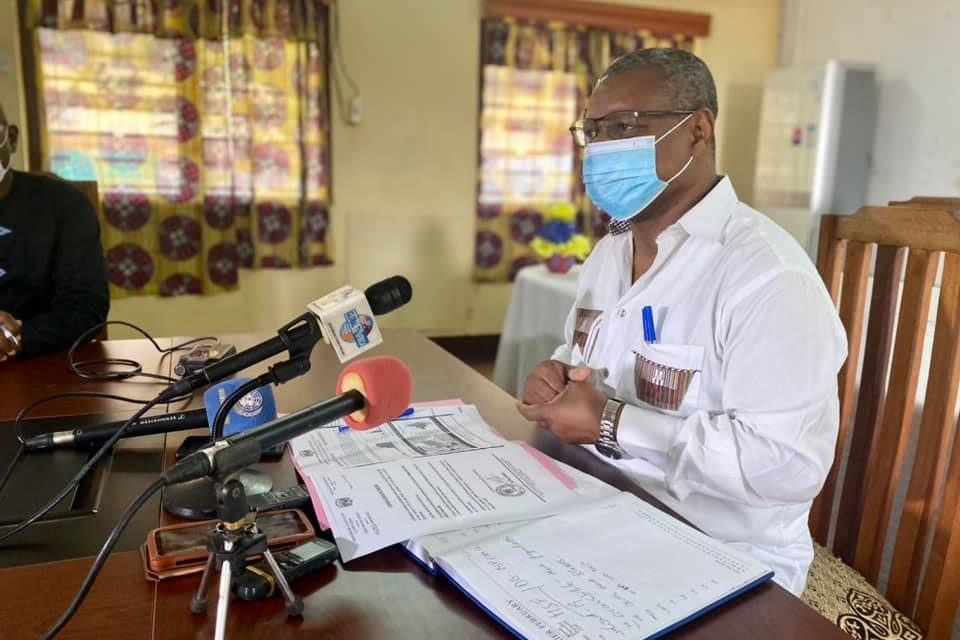 JMS : Le ministre Dr Pierre Somse rend hommage au personnel de santé