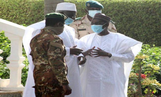 Mali: Ce que Assimi Goïta reproche au Président et à son Premier Ministre