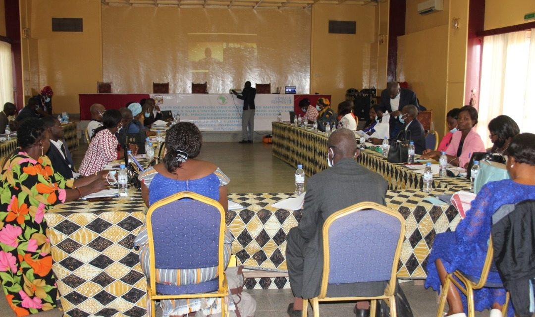 L'ONU Femmes forme les cadres des ministères sur l'intégration du genre dans le processus de développement