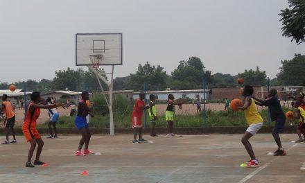 Centrafrique: Des jeunes enfants et filles initiés à la pratique du basket-ball à Bimbo