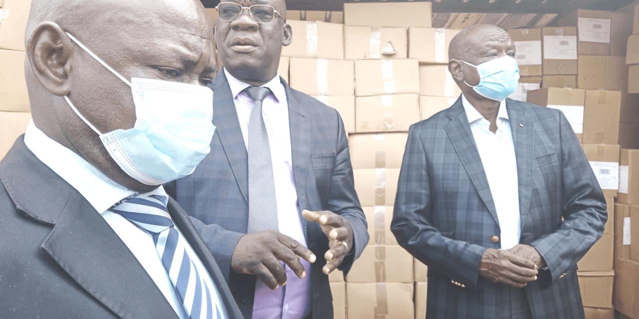 Le ministère de l'enseignement octroi des manuels  scolaires à l'inspection académique de Bangui