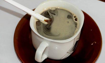 Faux, l'OMS n'a pas certifié une étude qui soutient que  « la prise du café  réduit le risque d'infection au Covid-19 »