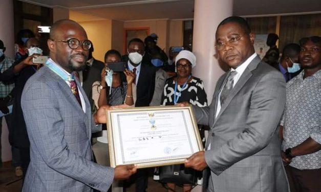Centrafrique : Une distinction honorifique au Directeur-pays de l'ONUSIDA en fin de mission